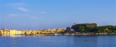 Panorama města Korfu