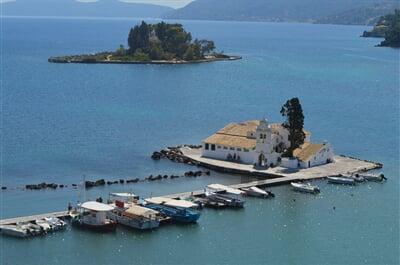 Klášter Vlacherna nedaleko města Korfu